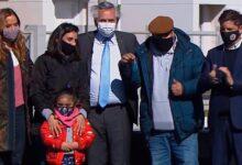 Fernández abrió la campaña electoral con Tolosa Paz y Gollan en Merlo