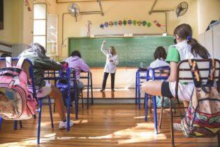 Clases los sábados en la provincia Buenos Aires y un plan para «abrir plenamente» las aulas